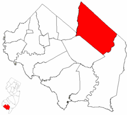 Vineland highlighted in Cumberland County. Inset map: Cumberland County highlighted in the State of New Jersey.
