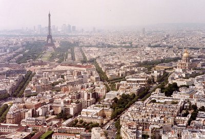 View from the Montparnasse Tower () toward the . On the right 's tomb lies under the golden dome at . The towers of the office and entertainment centre  line the horizon.